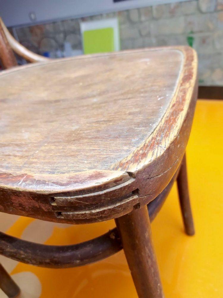 Деревянный стул до реставрации и декорирования