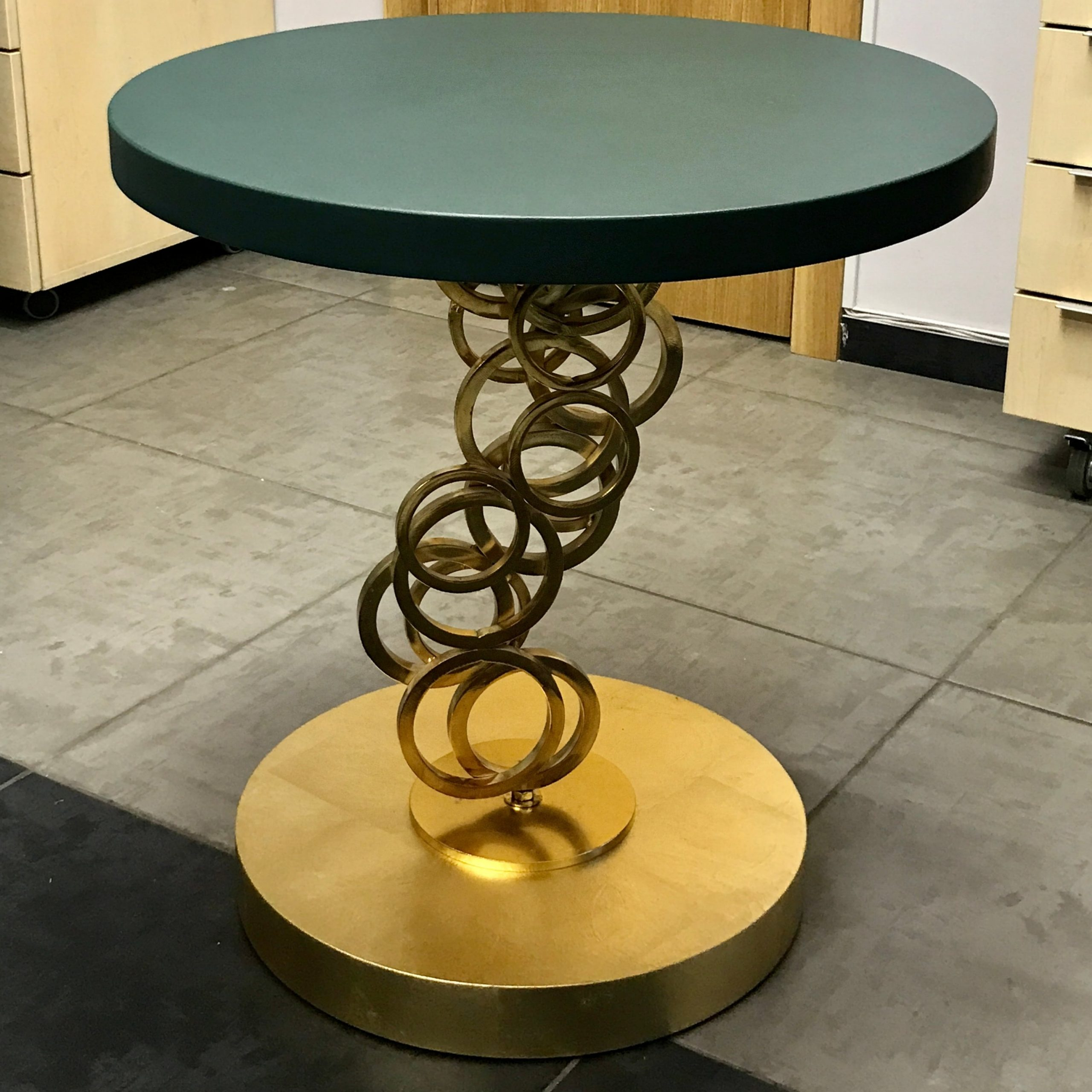 Стол после декорирования (Vse Repair)